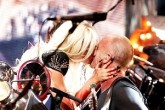 Lady Gaga besó a Sting