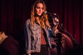 Leighton Meester realiza cover de The Cardigans