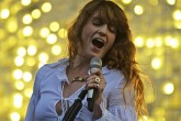 ¡CONFIRMADO! Florence And The Machine reemplaza a Foo Fighters en Glastonbury Festival