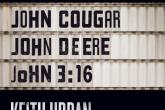 """Keith Urban presenta """"John Cougar, John Deere, John 3:16″"""