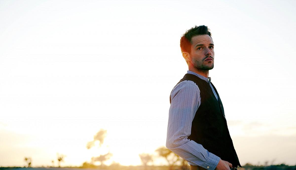 """""""Lonely Town"""", la nueva colaboración de Brandon Flowers junto con Avicii"""