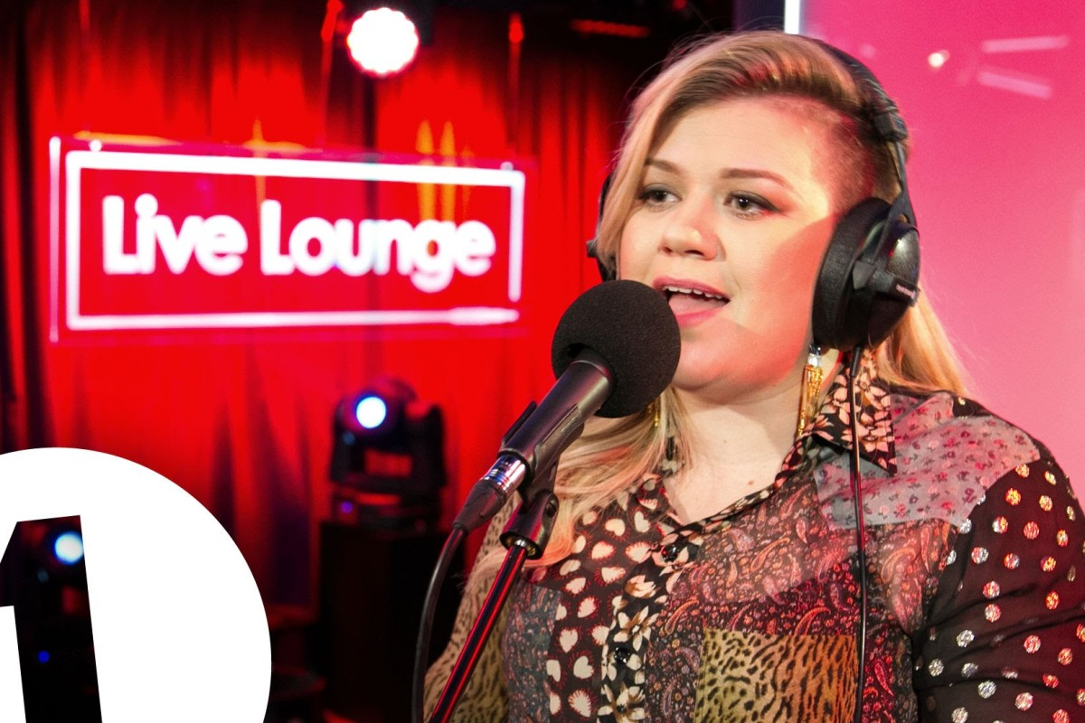 "Kelly Clarkson interpretó ""Bitch Better Have My Money"" de Rihanna"