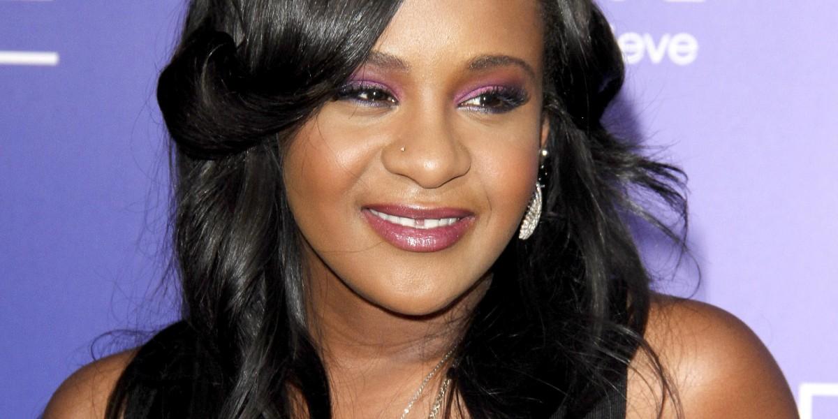 La hija de Whitney Houston, muere a los 22 años.