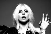 "Lady Gaga pinta su piscina con ""sangre""."