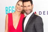 ¿Posible divorcio de Adam Levine y Behati Prinsloo?