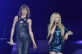 Taylor Swift y Avril Lavigne hicieron las paces y cantaron juntas