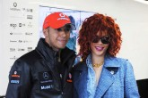 Lewis Hamilton habla sobre Rihanna: «Salimos a pasar el rato de vez en cuando»