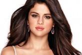 ¿Cuánto costaba el crop-top que Selena Gómez usó al revés?