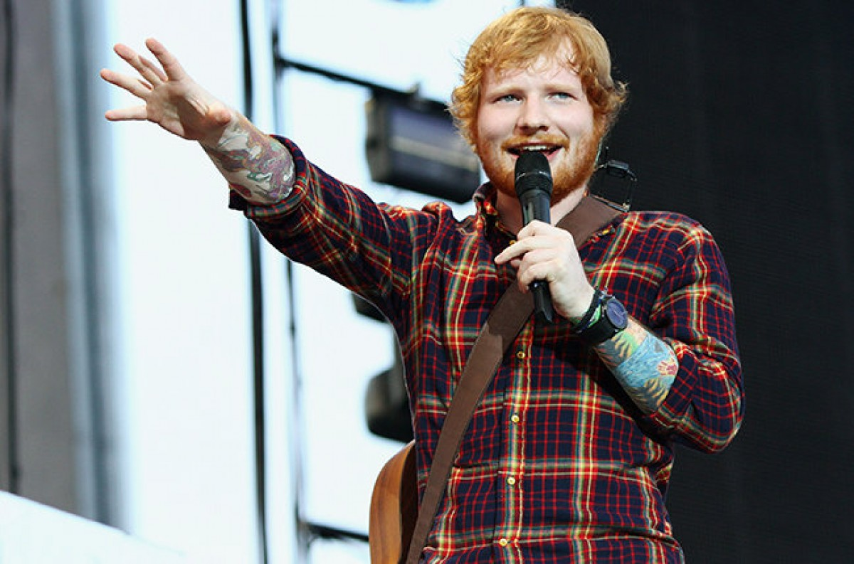 Ed Sheeran se une a Chris Brown a Realizar 'Loyal' en Las Vegas