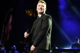 "Sam Smith interpreta tema de ""Spectre"""