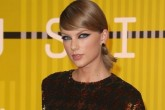 ¡A TAYLOR SWIFT SE LE ESCAPÓ UN GAS EN LOS MTV VMA'S!