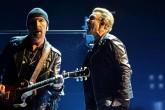U2 despliega todo su poder ante un público entregado en Barcelona