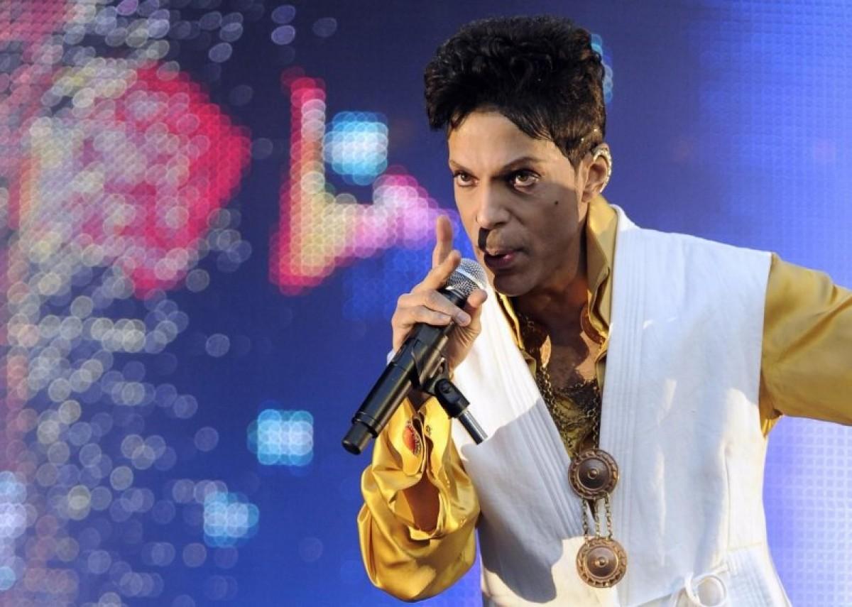 Prince aplaza gira europea por atentados de París