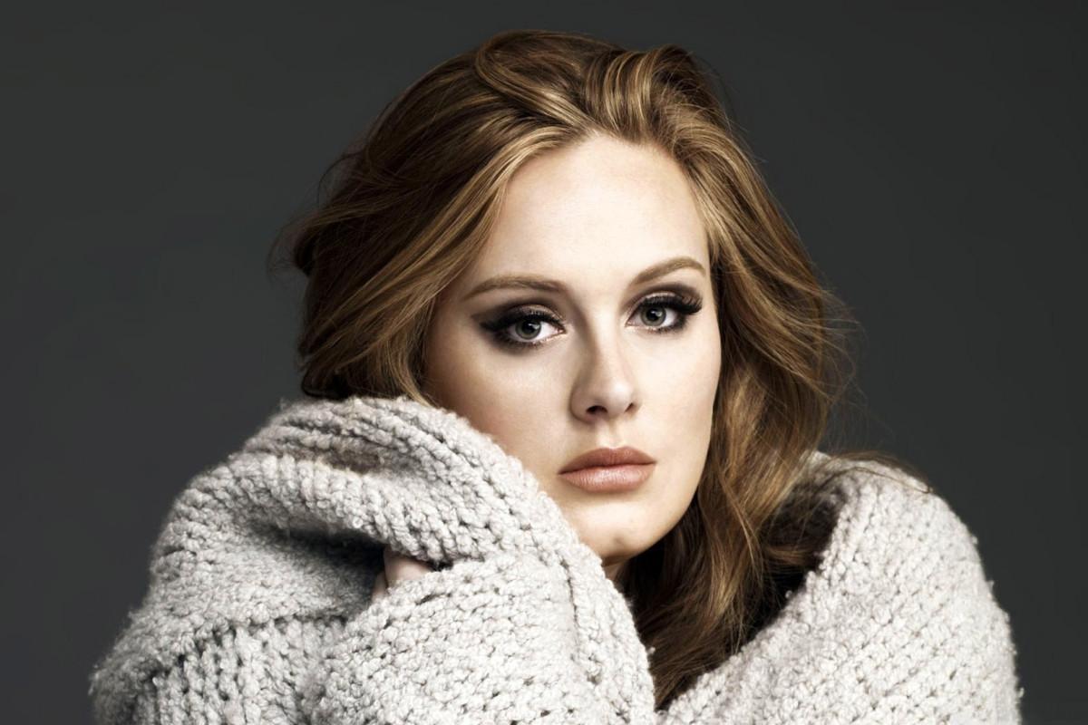 Prohibieron a Adele usar su cuenta de Twitter