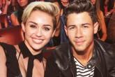 La foto de Nick Jonas junto a Miley Cyrus