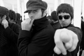 Liam y Noel Gallagher haran un documental sobre Oasis