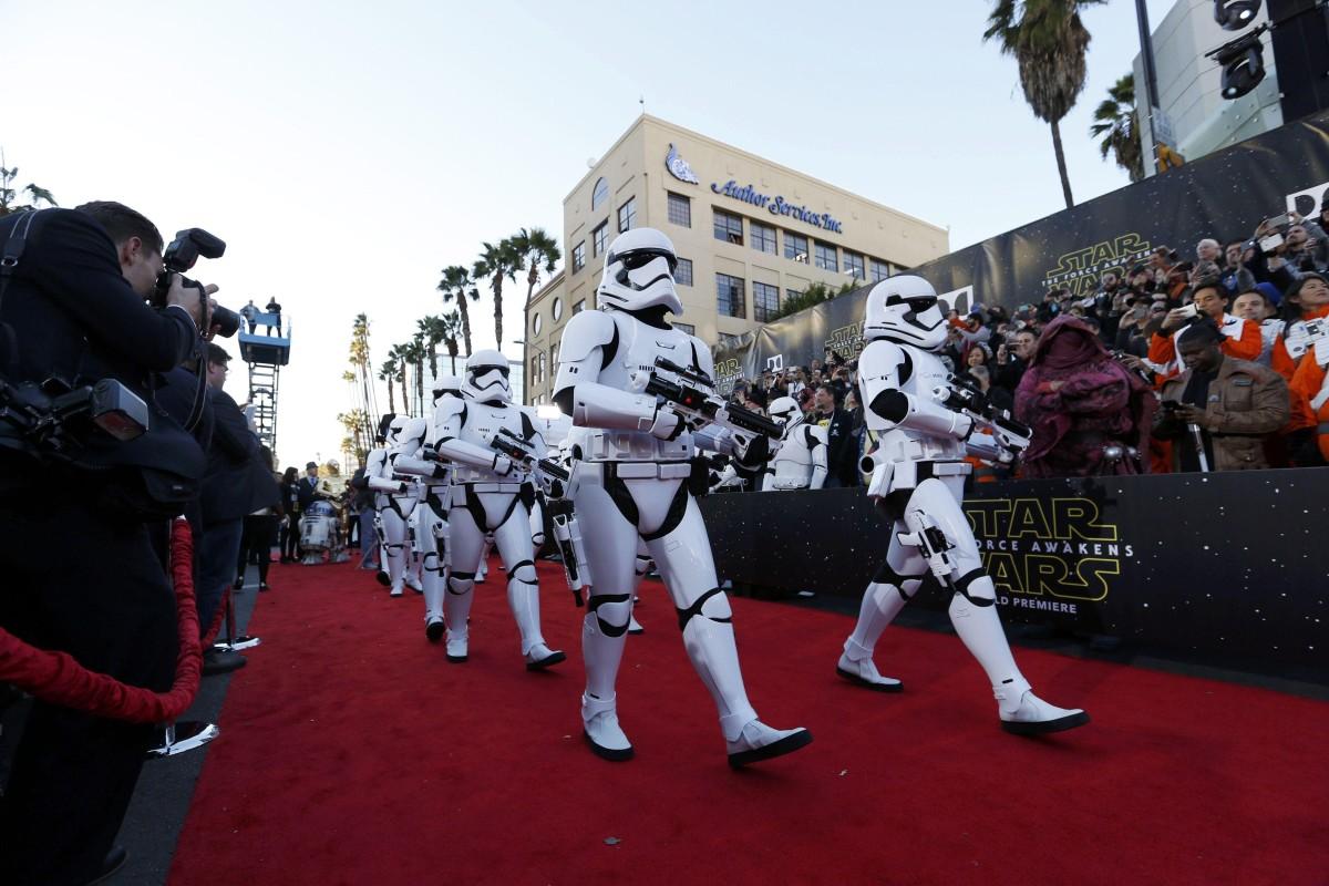 La premiere de Star Wars: El despertar de la fuerza en imágenes
