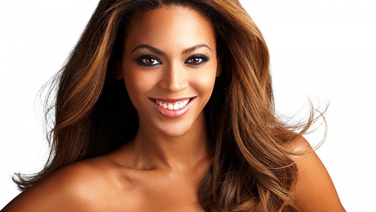 Beyoncé participará en la primera película de Bradley Cooper