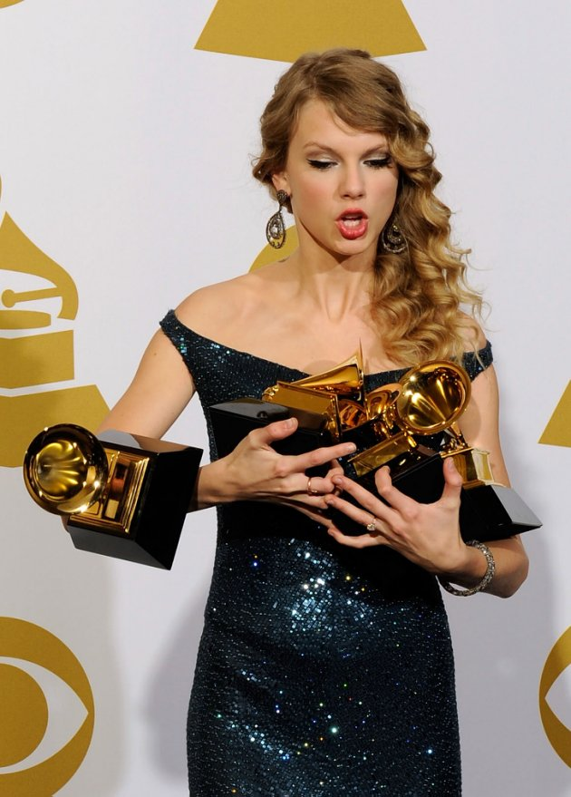 9ccf6ce0-8233-11e4-80c4-d9de90433192_Taylor-Swift-Grammy-2010