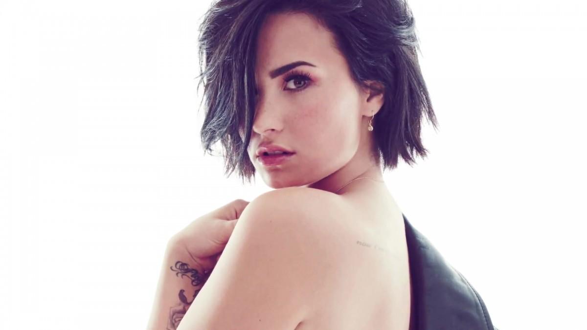 ¡Demi Lovato revoluciona el uso de los tampones!