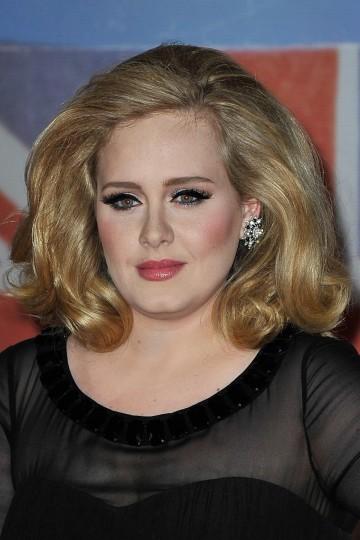 Exnovio de Adele publica fotos íntimas de la cantante