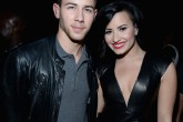 Demi Lovato y Nick Jonas presentes en el desfile de Victoria's Secret