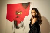 Rihanna lanza nuevo disco de sorpresa