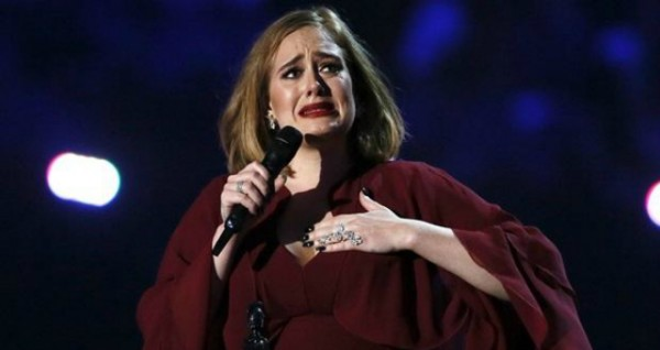 Adele-Brit-Awards-600x318