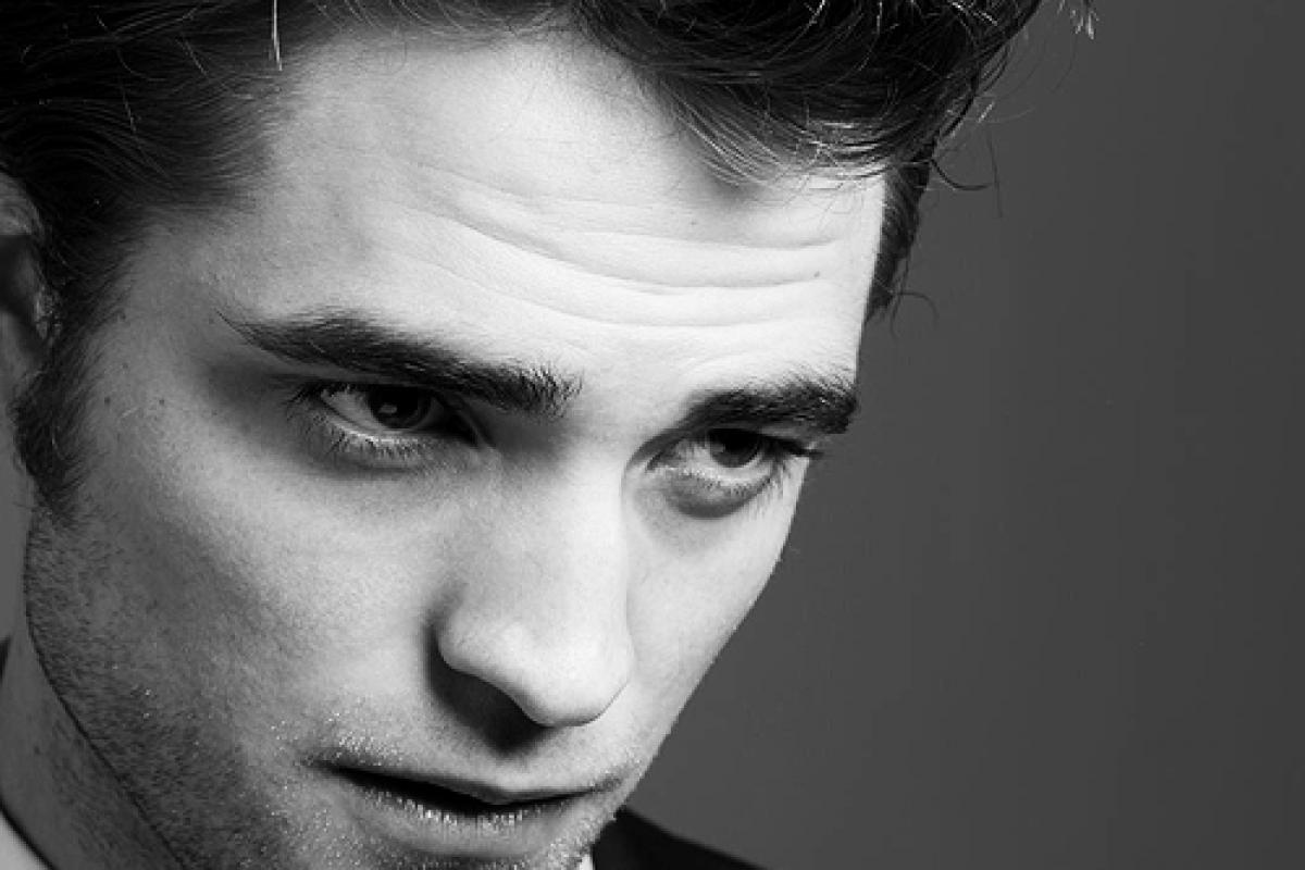 Robert Pattinson luce espectacular en la campaña de Dior