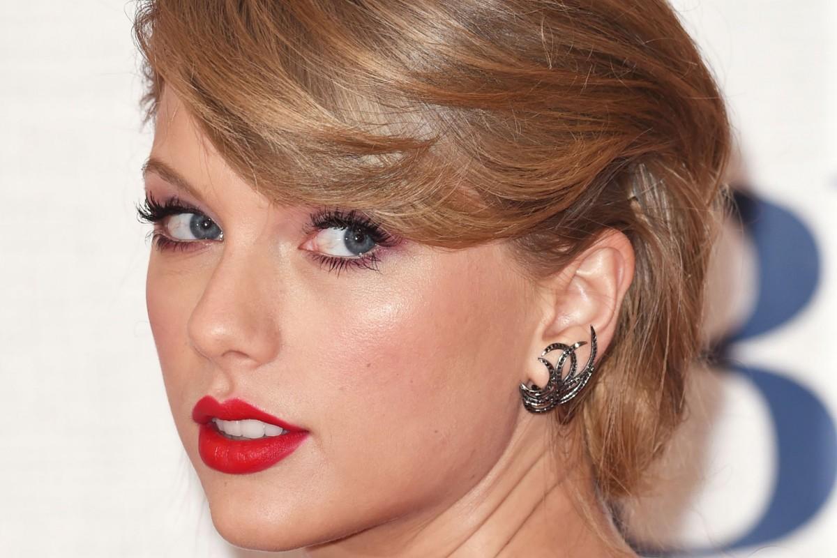Un fan de Taylor Swift recibe dinero de la cantante