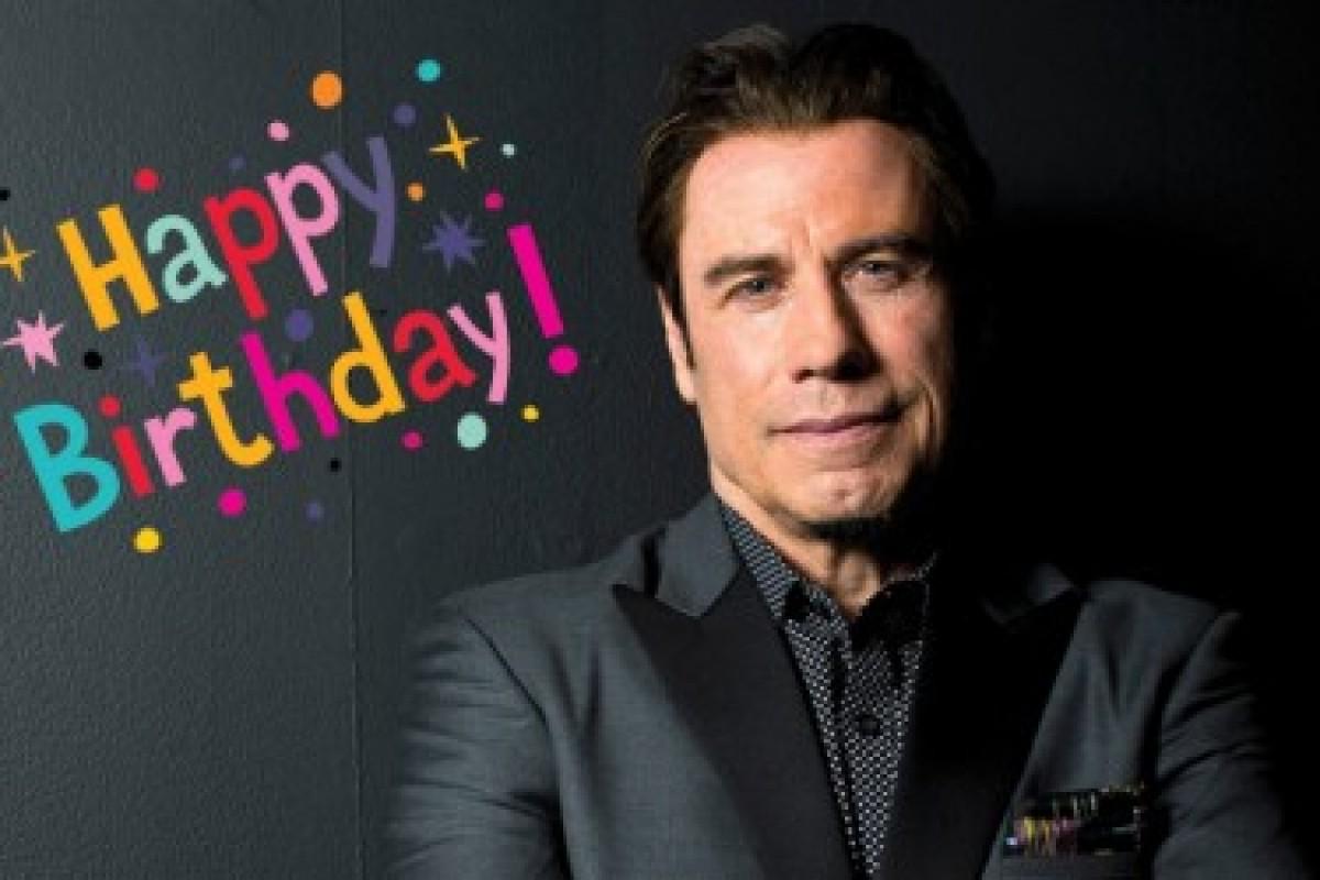 Los 62 de John Travolta desde una línea de tiempo con su pelo
