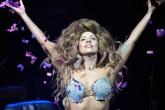 Lady Gaga vuelve a los vestidos exóticos en The 58 th GRAMMYs