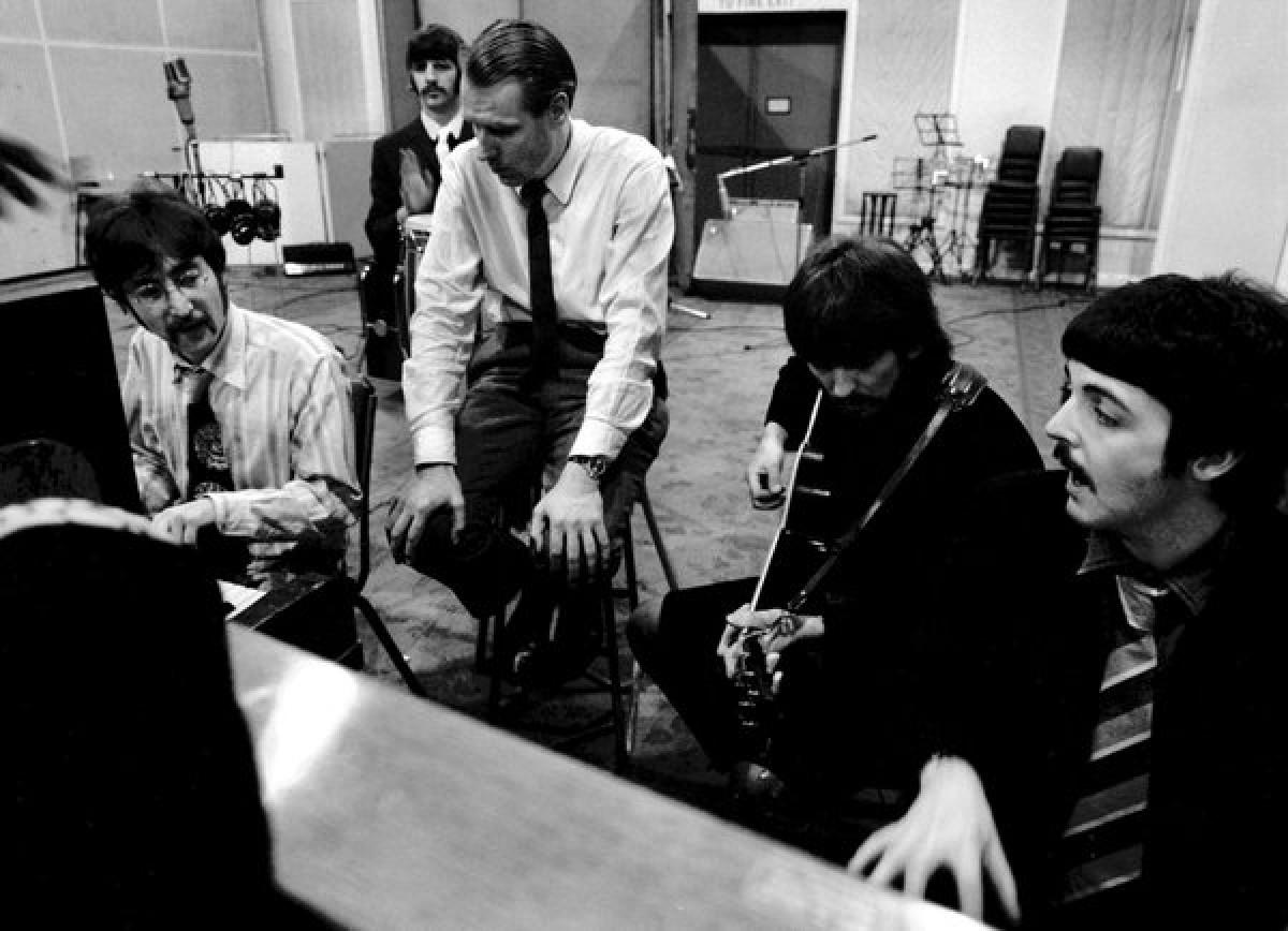 Muere George Martin, el productor que le dio la fama a The Beatles