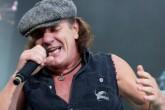 Brian Johnson, cantante de AC/DC podría quedarse sordo