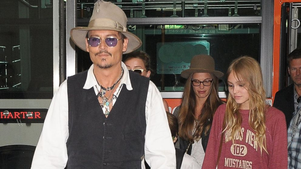 gty_johnny_depp_lily_rose_mt_140820_16x9_992