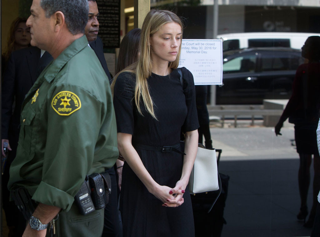 rs_1024x759-160527120613-1024.Amber-Heard-Leaving-Court-JR-052716