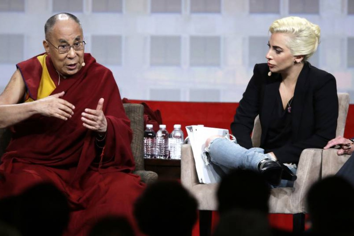 Lady Gaga y Dalai Lama crean polémica en China