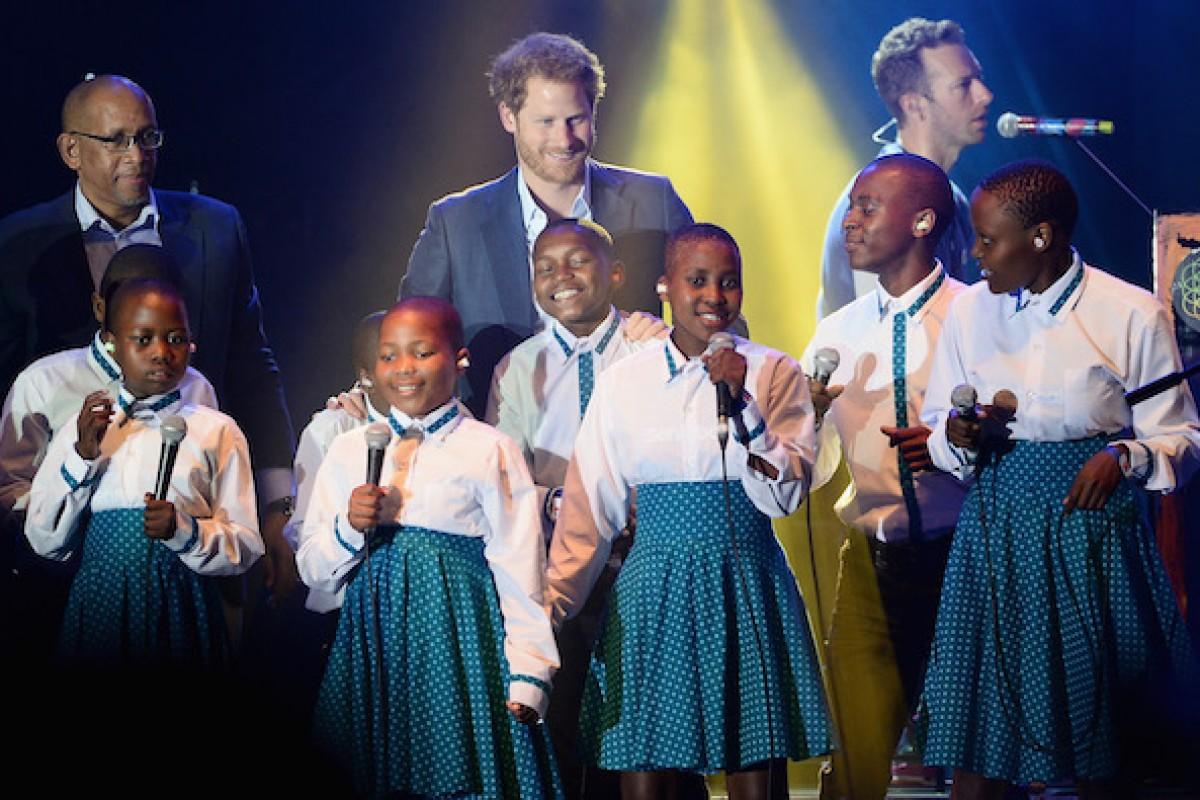 El Principe Harry y Coldplay compartieron escenario
