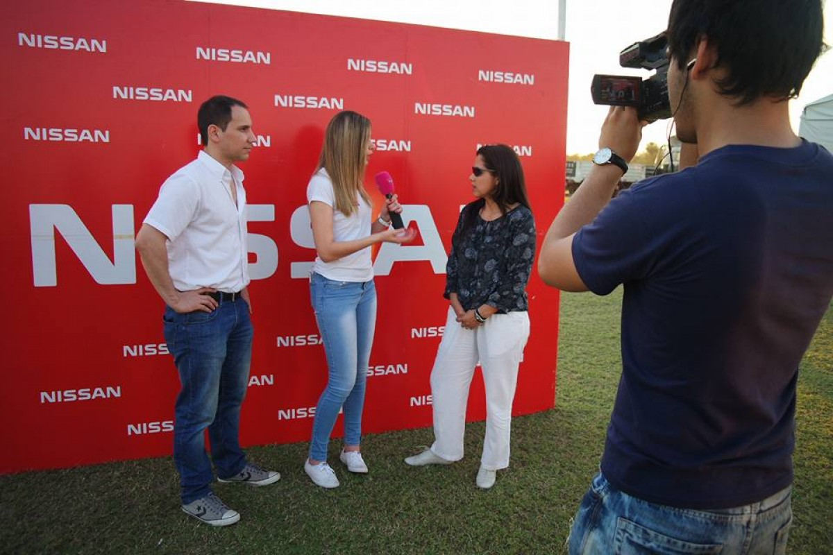 Nissan festejó alianza con Mobil lubricantes