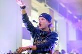 Avicii, emocionado, deja un mensaje a sus fans tras despedirse de los escenarios