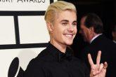 Justin nos demuestra que no siempre está de malas con sus fans