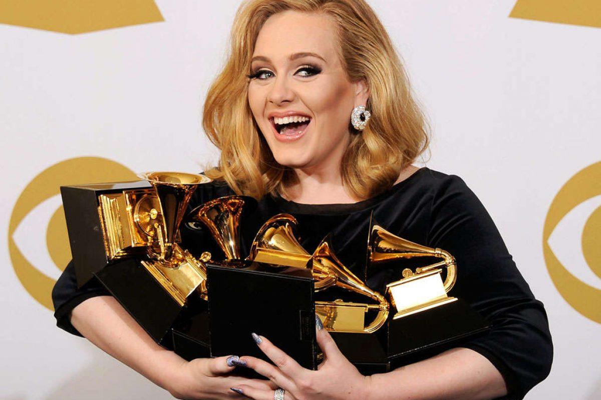 Adele dira Hello a los Grammys 2017