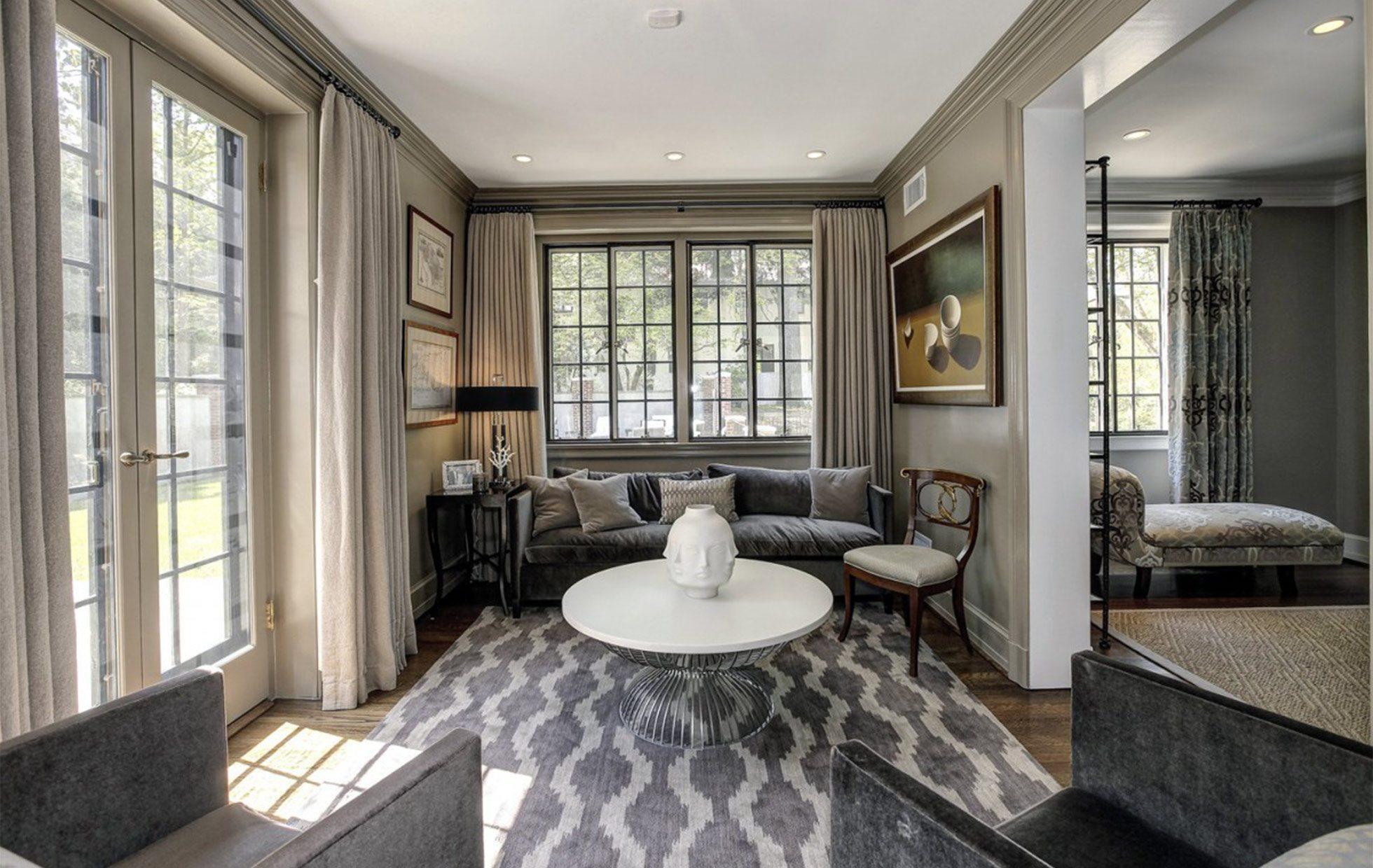 5881fec4796562446-Belmont-Road-NW-Washington-DC-Obamas-New-Home-Sitting-Room-1200x800