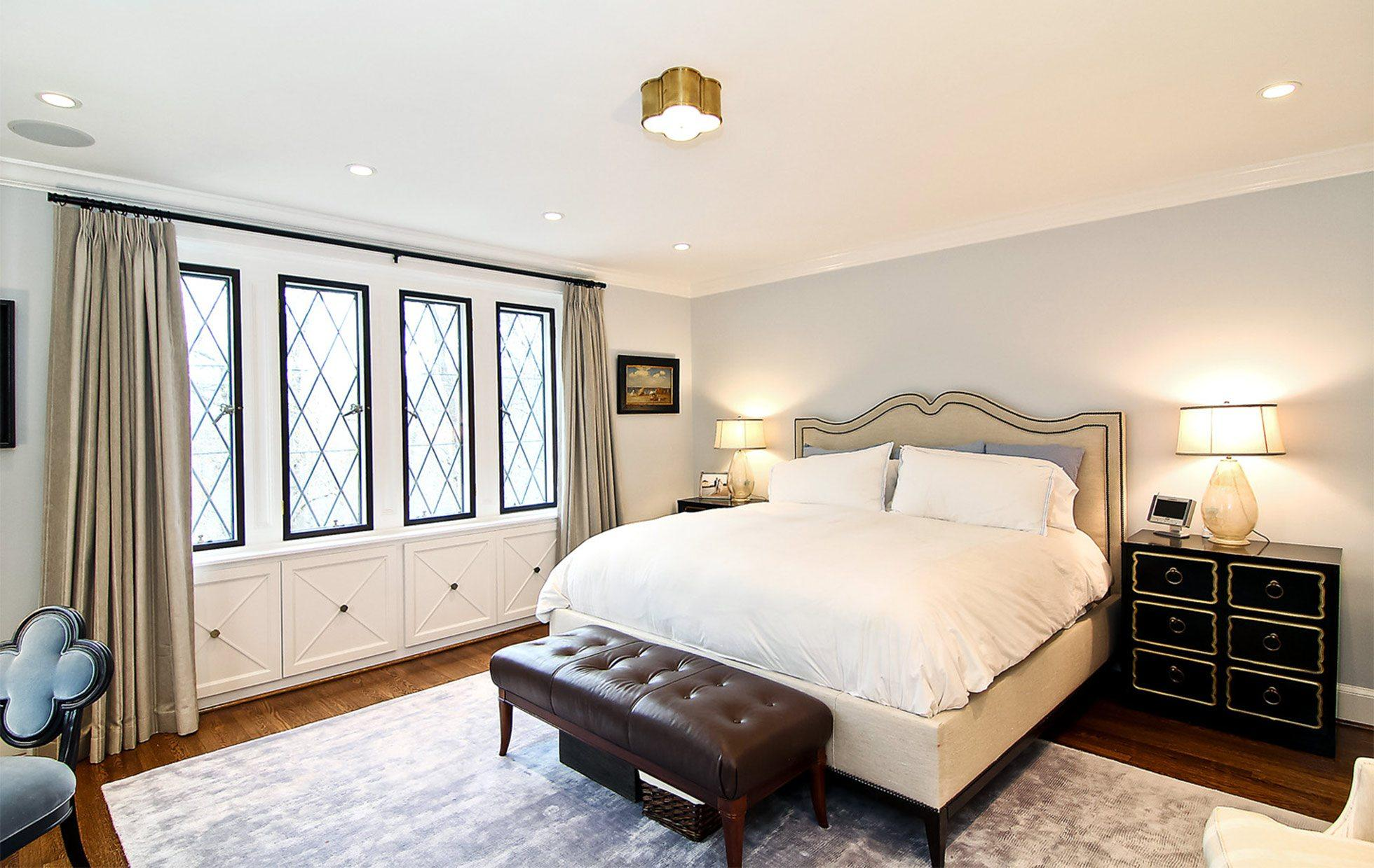 58820021386822446-Belmont-Road-NW-Washington-DC-Obamas-New-Home-Master-Bedroom