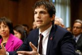 Ashton Kutcher, habla contra la explotación sexual infantil
