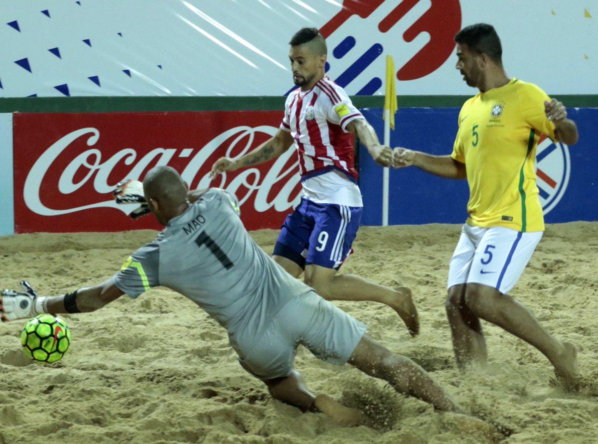 Paraguay ante Brasil.