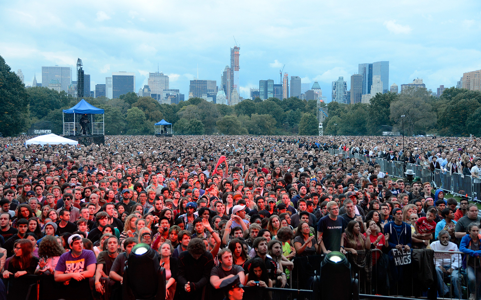 NEW YORK, NY - SEPTEMBER 29:  Audience at the The Global Citizen Festival in Central Park to end extreme poverty - Show at Central Park on September 29, 2012 in New York City.  (Photo by Kevin Mazur/WireImage)