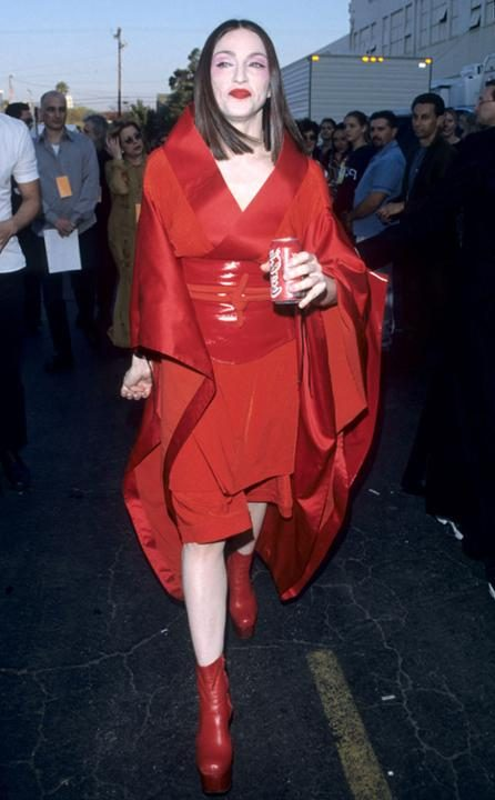 rs_634x1024-150128113313-634-madonna-grammy-looks-1999.jw.12815