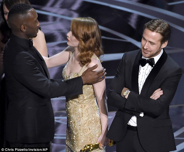 3DBCC74300000578-4263142-Brave_face_Emma_Stone_insisted_she_f_ing_loved_Moonlight_after_b-a-1_1488186560711