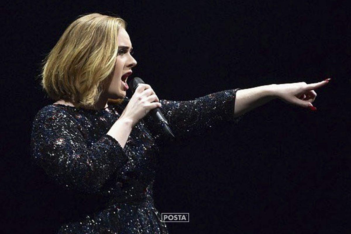 Propuesta de matrimonio en pleno concierto de Adele